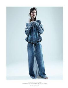 "Denim on denim patchwork long skirt. ""True Blue"" by Dazed & Confused April 2013 Kasia Struss by Josh Olins Shorts Jeans, All Jeans, Denim Jeans, Denim Purse, Denim Flares, Denim Editorial, Editorial Fashion, Estilo Denim, Mode Jeans"