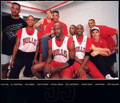 Chicago Bulls - Superiority. Right/Left : Stacy King, B.J. Armstrong, Will Perdue, Scottie Pippen, Michael Jordan, Bill Cartwright, Horace Grant, John Paxson and Scott Williams.