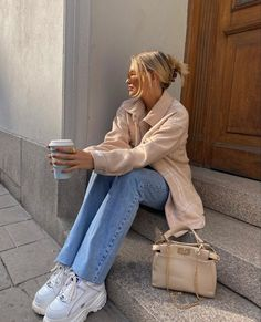 Winter Fashion Outfits, Fall Winter Outfits, 90s Fashion, Autumn Winter Fashion, Fall Fashion, Autumn Style, Winter Wear, Buffalo Shoes, Nyc Girl