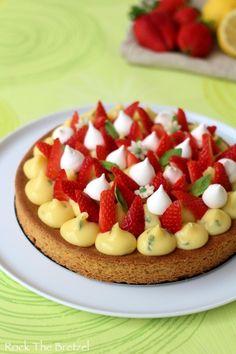 Fantastik citron fraise basilic21 Pastry Recipes, Cake Recipes, Fancy Cake, Dessert Aux Fruits, Number Cakes, Chefs, Sweet Tarts, Desert Recipes, No Bake Desserts