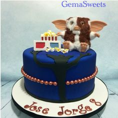 Gremlins inspired cake by Gema Sweets.