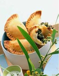 Recettes grecques - Cuisine du monde - Elle à Table Base Foods, Plant Based Recipes, A Table, Cantaloupe, Plants, Difficult Children, Initiation, Salads To Go, Plant