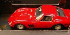 Lot 274 - Boxed Revell Metal model 112 scale - 1964 Red FERRARI 250 GTO Diecast
