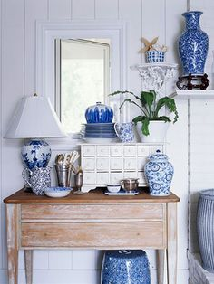 Summer Decoration Tips Blue And White China, Blue China, Navy Blue, White Rooms, White Houses, White Decor, Delft, Color Azul, White Porcelain