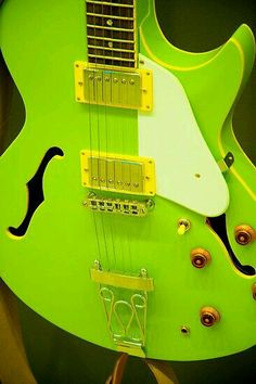 Play Music Easily With These Simple Guitar Tips. Have you had the experience of picking a guitar up and wanting to play it? Have you wondered if you have musical talent? Yoga Studio Design, Easy Guitar, Cool Guitar, Guitar Tips, Bright Green, Green Colors, Mean Green, Beautiful Guitars, World Of Color