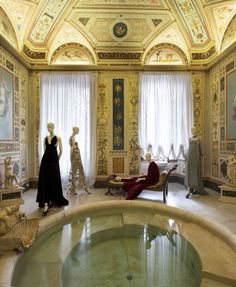 Valentino Mirabilia Romae