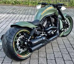 Harley Davidson Road King, Harley Davidson Night Rod, Harley Davidson Motorcycles, Bobber Motorcycle, Cool Motorcycles, Motorcycle Design, Women Motorcycle, Custom Street Bikes, Custom Bikes