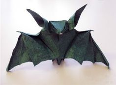 Halloween Origami: Bat | Tektonten Papercraft