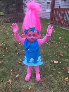 "Mom makes a toddler's dream come true with the DIY troll costume - u . - Mom makes a toddler's dream come true with the DIY troll costume – and the internet goes wild – Several mothers and fathers want to know about ""heat and moistu Troll Halloween Costume, Baby Girl Halloween Costumes, Homemade Halloween Costumes, Toddler Costumes, Halloween Outfits, Costumes For Teachers, Halloween Costumes For Toddlers, Mother Daughter Halloween Costumes, Disney Family Costumes"
