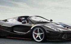 Ecco le foto della nuova Ferrari presentata al Motor show di Parigi LaFerrari Aperta è definibile una versione topless del modello precedente, poiché, rispetto a quest'ultimo, ha il tetto apribile in fibra di carbonio. Un tocco in più che non passerà di certo inosser #ferrari #laferrariaperta