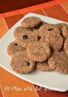 Deliciosas galletas crudiveganas. estas galletas tienen solamente 3 o 4 ingredientes y son súper fáciles de hacer. son deshidratadas, entonces se necesita una deshidratadora u horno con la posibilidad de poner la temperatura baja.