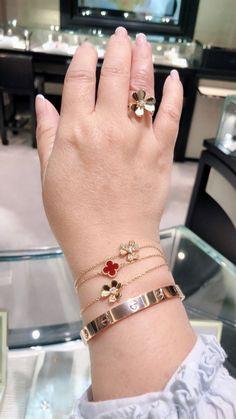 Van Cleef in action! Van Cleef in action! Dainty Jewelry, Luxury Jewelry, Body Jewelry, Bridal Jewelry, Jewelry Accessories, Jewelry Design, Cartier Jewelry, Cartier Love Bracelet, Jewelry Bracelets