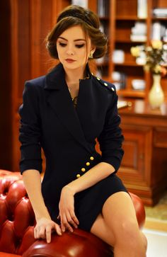 Milla is a unique and elegant jacket wearable with select occasions. it combines 2 styles of jackets: tunic and classic. it has a serious and feminine