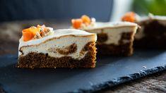 Milujete krémový cheesecake anebo se můžete utlouct po šťavnatém mrkvovém dortu? Upečte si jejich výtečnou kombinaci: spojení voňavého mrkvového těsta avláčné sýrové náplně vás nadchne. Cheesecake, Pie, Recipes, Torte, Cake, Cheesecakes, Fruit Cakes, Pies