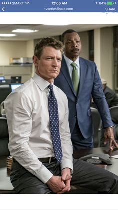 Carl Weathers and Philip Winchester in Chicago Justice Detective, Philip Winchester, Carl Weathers, Sullivan Stapleton, Chicago Justice, Blue Eyed Men, Law And Justice, Law And Order, Chicago Fire