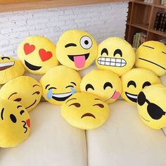 Add some Emoji Pillows on your bed or couch! TRUST-your friends will all be jealous Cody Charms - Charmingly All Emoji Emoji Caca, Cute Pillows, Throw Pillows, Le Emoji, Icon Emoji, Emoji Room, Emoji Board, Et Wallpaper, Photo Deco