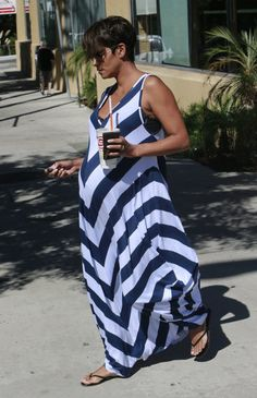 Halle Berry maternity style