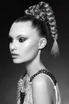 This is one brave braid. We love the high drama effect of this look!