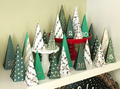 Tannenbaum crafting from paper: an environmentally friendly DIY idea Christmas Tree Paper Craft, Christmas Tree Advent Calendar, Diy Advent Calendar, Christmas Gift Tags, Christmas Countdown, Christmas Projects, All Things Christmas, Simple Christmas, Christmas Holidays