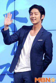 Oh Snap! Joseon finger guns » Dramabeans » Deconstructing korean dramas and kpop culture