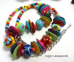 fröhlich bunte Kette aus handgemachten Glasperlen von Caja-lampwork - Glasschmuck auf DaWanda.com