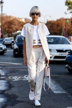 Mit auffälliger Kurzhaarfrisur und androgynen Outfits ist die niederländische Bloggerin Linda Tol unser Stil-Vorbild für die kommenden sieben Tage.