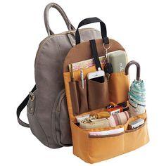 セシールの整理名人!リュックのインナーポケット 1,706円の販売ページです。初めてのご注文は全商品送料無料ほか、ポイントサービスや豊富なお支払い方法でお手軽・安心なショッピングをお楽しみいただけます。驚くほどスッキリ収納!リュックのためのバッグイン! Purse Organizer Pattern, Diy Purse Organizer, Backpack Organization, Diy Backpack, Backpack Pattern, Felt Purse, Travel Accessories, Fashion Bags, Purses And Bags