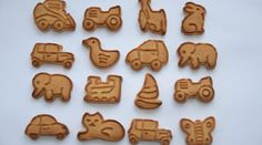 There are several different types of cookies that are created for baby teeth. The toughness of the cookie will help ease the baby's teeth pain and is also an excellent snack for your baby. Apple Slices, Apple Pie, Tooth Pain, Icing Colors, How To Make Scarf, White Icing, Gel Food Coloring, Cinnamon Powder, Baby Cookies