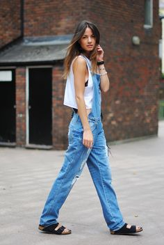 overall,+denim,+jeans,+90s,+trend,+london,+celine+inspiration,+sandals,+birkenstock.jpg (750×1120)