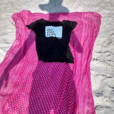 T-shirt DO NOT IRON baciata dal sole sulla spiaggia di Valledoria (Sassari). Venite a scoprire tutti i nostri modelli 100% pezzi unici su www.donotiron.it #donotiron #tshirt #uniquepiece #tendenze #fashion