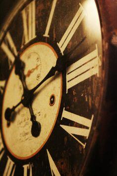 Relógio decorativo do Tudo aos Molhos - Francesinhas & Companhia.