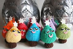 Amigurumi Crochet Christmas Trees ~ easy level ~ no size given for these cuties - you'll want to make a bunch of them they are so adorable ~ FREE - CROCHET