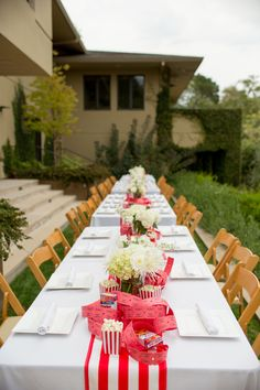 Table setting - Carnival Party Theme {So Eventful}