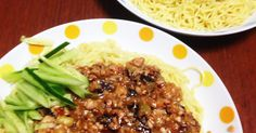 手間はかけず家にある材料で本格ジャージャー麺が作れます!少ないお肉で野菜も摂れてしかもヘルシーに。 お子様も食べれます♡