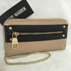 NWT Steve Madden Taupe And Black Colorblock Zip Around Accordion Wallet Wristlet #SteveMadden #Clutch