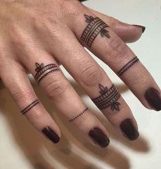 Foto Tatuaggi Mano Donna - Lei Trendy