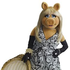 Three bridal planning tips from the full-time diva and longtime bride-in-planning herself- Miss Piggy! #Disney #MuppetsMostWanted