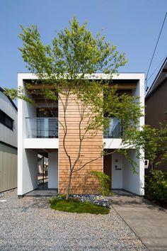 街道沿いの家: TRANSTYLE architectsが手掛けた家です。