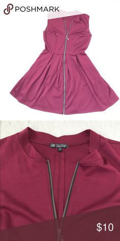 """♥️Maroon Burgundy zip up skater dress Super cute skater type dress with edgy zipper detail. Zip it up or down as much as you want! Good preowned condition. Pit to pit 16"""" waist 14"""" length 34"""" Dresses Mini"""