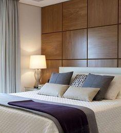 """Painel em madeira lindo!  #paineldemadeira #designdeinteriores #quartodecasal #arquiteturadeinteriores #decor #homedecor #decoração #decoraçãodeinteriores"""