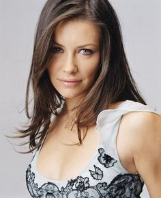 Evangeline Lilly is one of the most famous models and actresses of Hollywood. Here you will find the complete details of Evangeline Lilly net worth below. Pretty People, Beautiful People, Beautiful Women, Nicole Evangeline Lilly, Divas, Photos Du, Beautiful Actresses, Brunettes, Hollywood