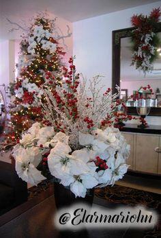 xmas Modern Christmas Decor, Christmas Interiors, Outdoor Christmas, Christmas Trees, Christmas Holidays, Christmas Decorations, Holiday Decor, Dreams, Lights