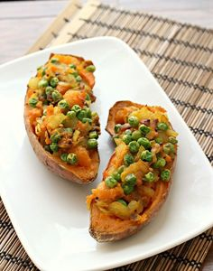 Samosa Stuffed Sweet Potatoes. Cannot wait to try these!