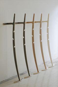 Curve Hanger / Kittipoom Songsiri   Design d'objet