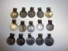 5 Tribalmünzen mit Glassteinen, 2,6 cm von Melach auf DaWanda.com