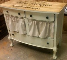 SHABBY Gals NEST: Missing drawer replaced with a ruffle..smart thinkin!!