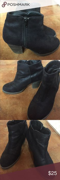 Black heeled Arizona boots size 6.5 Very good condition. Shows some signs of wear on sole. Arizona Jean Company Shoes Ankle Boots & Booties