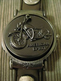 Un Worn Xanadu Flip Motorcycle Quartz Watch Motorcycle Lid