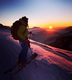 What beautiful sunset on the top of Le Grand Bornand yesterday night *** credit to @melanie.dalmasso #skirando #extremecold #gowild #fahrenheit #fahrenheitai #aibioengineered #gloves #warmgloves #warmsocks #heatedgloves #heatedsocks #staywarm #winter #wintergloves #actionheat #coldweather #cold #raynauds #reynauds #winteriscoming #coldhands #skiing #ski #sunset #extremecold