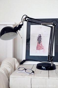 girl´s room via Vaaleanpunainen hirsitalo - Divaaniblogit